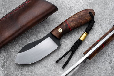 HUNTING KNIFE BLACK PEARL 2 TD WITH A BROWN LEATHER SHEATH ML